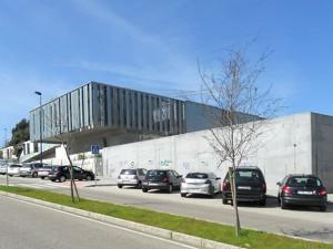 Centro de saúde en Navia de Fernando Blanco