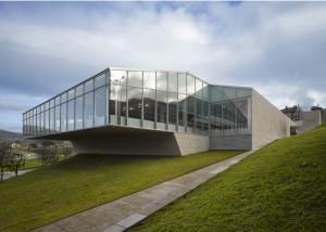 Piscina Universitaria no Campus de Ourense - Francisco Mangado