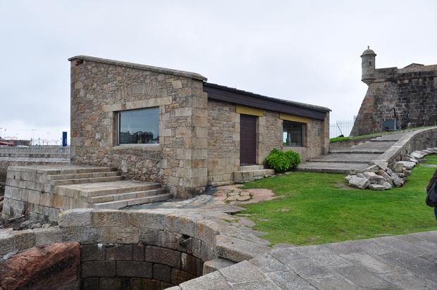 Control acceso Castillo San Anton   Manolo Gallego   A Coruña   Dario Vallina