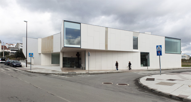 Biblioteca en Carballo | Óscar Pedrós | Adrián Capelo
